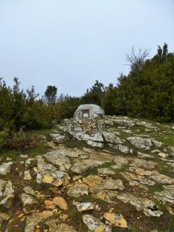 Buzón de la cima central (Echávarri)