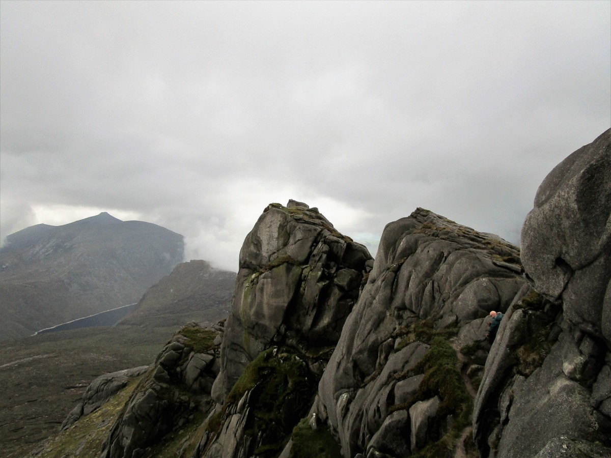 Slieve Bearnagh (739 m). Mourne Mountains