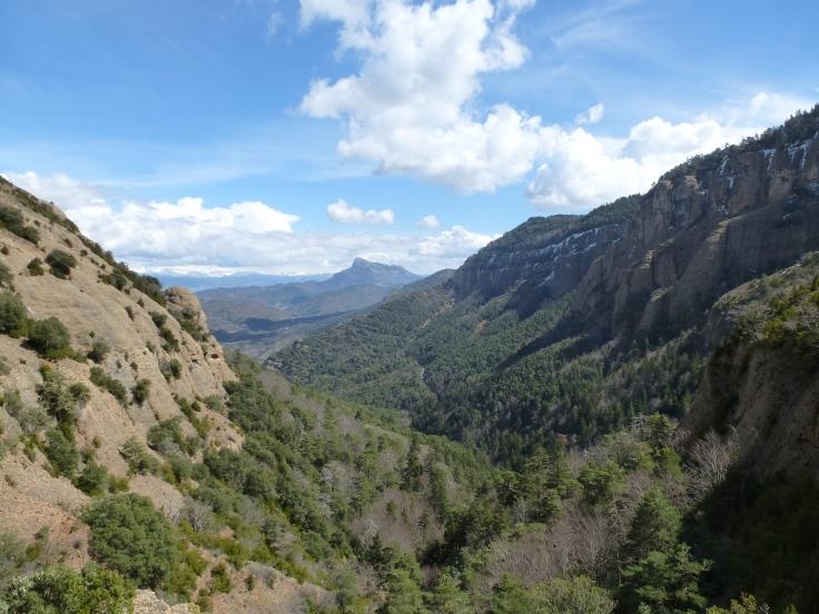 Peña Oroel desde la Sierra de San Juan de la Peña.